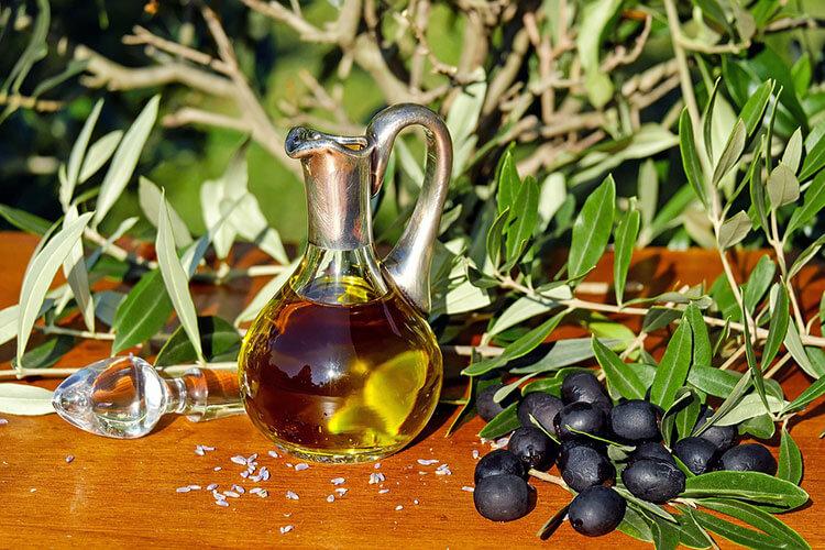 Olivenöl Inhaltsstoffe Wirkung Und Anwendungsgebiete